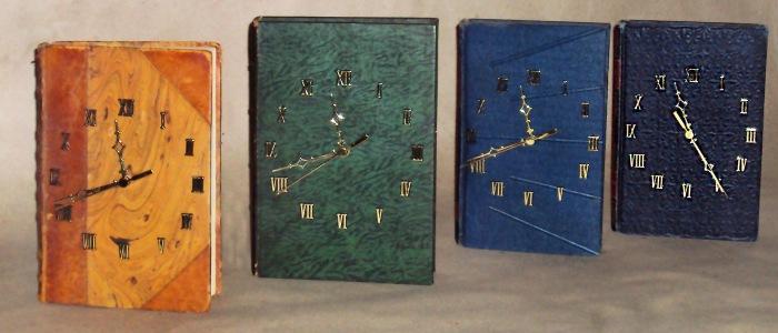 Livros de dimensões e títulos variados. Lucas Melo